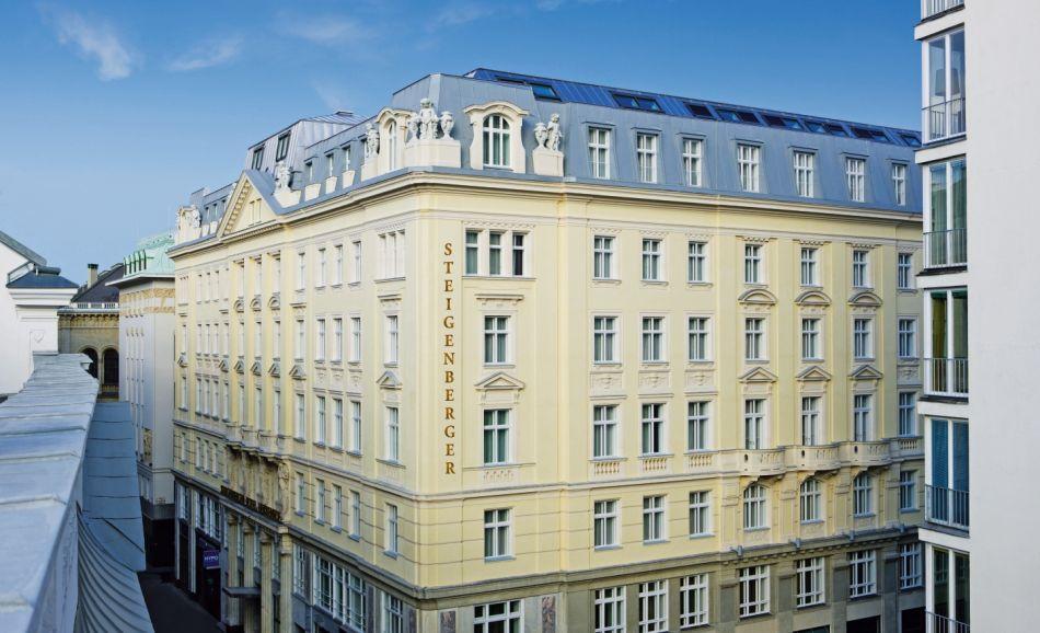 Steigenberger Hotel Herrenhof Außenansicht