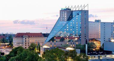 Hotel Estrel Außenansicht