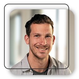 Michael Santner ist Text Content Manager bei hotelkit.