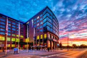 In Radison Blu hotel Rostock they teach employees in a extraordinary wayhow to use hotelkit.